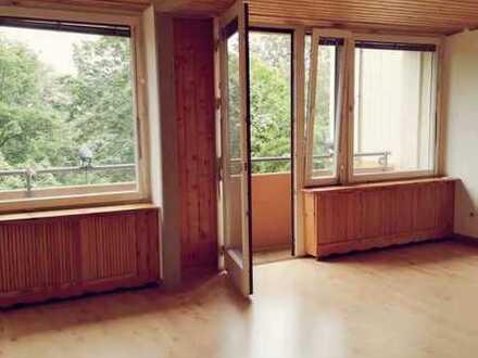 Familienfreundliche 5-Zimmer-Wohnung mit Balkon und EBK in Mannheim