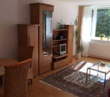 Stilvolle, gepflegte 2-Zimmer-Erdgeschosswohnung mit Balkon und EBK in Stuttgart Feuerbach