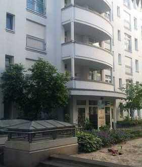 Exklusive, sanierte 3-Zimmer-Wohnung mit Balkon in Mitte, Berlin Lage im Innenhof Nähe SPITTELMARKT