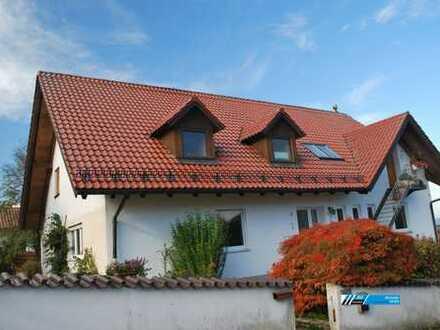 """RG Immobilien """"Frisch renoviert"""" Großzügige 5 Zimmer Wohnung mit Terrasse und Garten"""