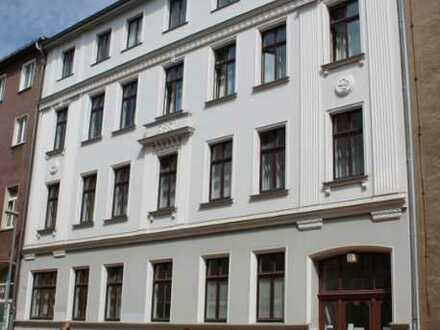 Direkt Am Hbf-Schwerin Büro/Praxis-Fahrstuhl-Balkon + 30 m² EG möglich