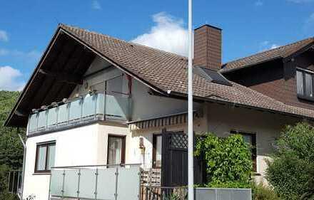 Gepflegte 3-Raum-Dachgeschosswohnung mit Balkon in Idstein