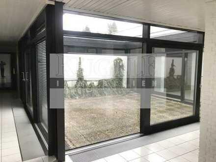 Heller, lichtdurchfluteter Atrium-Bungalow in Karlsruhe-Bergwald