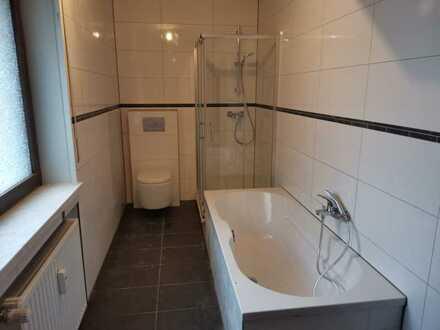 Erstbezug nach Sanierung: schöne 5-Zimmer-Wohnung mit Balkon in Bruchsal-Helmsheim