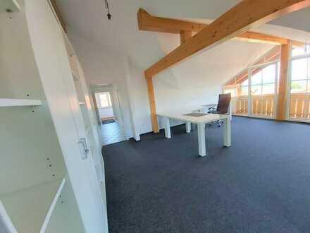 Großzügige Büroräume in kleinem Gewerbegebiet in Pähl