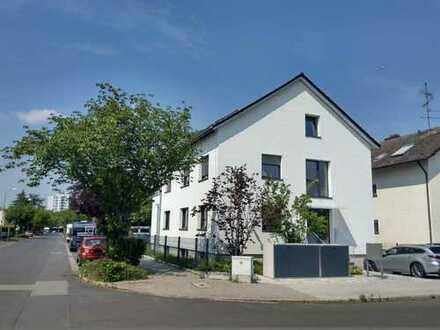 OFFENBACH: Wunderschöne 4 ZW mit Terrasse und Garten