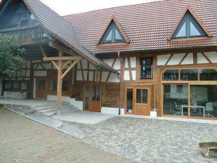 Exklusive Wohnung in einem alten Fachwerkhaus auf einer Hofanlage in Mindersdorf