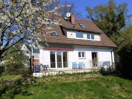 Raumwunder in Groß Flottbek: Familiengerechtes Einfamilienhaus