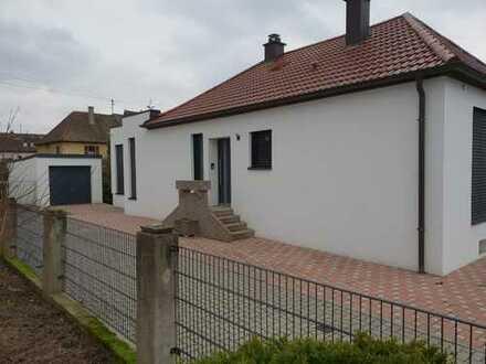 Romantisches EFH mit Garage und kleinem Garten sucht neuen Besitzer!!!