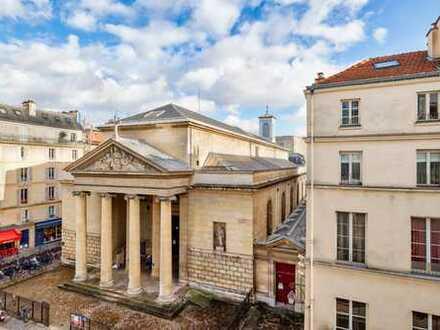 Moderne Wohnung in klassischem Gebäude