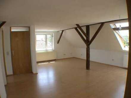 2-Zimmer-Dachgeschosswohnung mit Einbauküche in Vöhringen