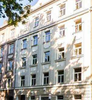 4-Zimmer-Wohnung mit Wohnküche, großem Balkon und Lift direkt an den Isarauen