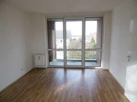 Gemütliche 2 Zimmerwohnung mit großer Diele und Loggia. Ideal für junge Familien.