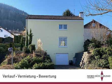 Kleines, gemütliches Einfamilienhaus mit großzügigem Grundstück