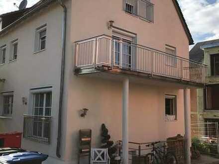 Sanierte 6-Zimmer-Doppelhaushälfte mit Einbauküche in Reutlingen, Reutlingen