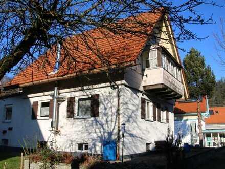 Großzügiges renovierungsbedürftiges Einfamilienhaus sucht neuen Besitzer