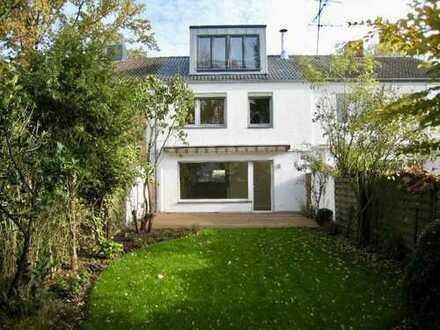 Modernes Reihenhaus mit Kamin, Terrasse & Garten