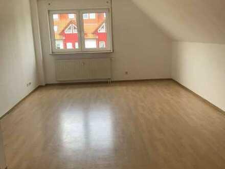 Provisionsfrei!! Verkauf aus der Insolvenz!! Attraktive 2-Zimmer-DG-Wohnung in Crailsheim