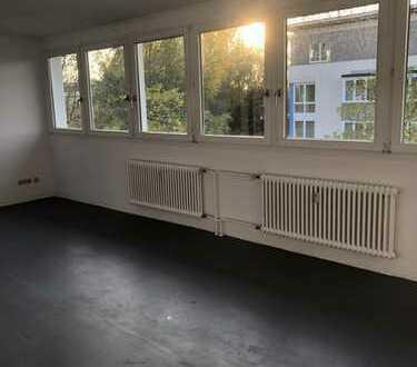 Helle freundliche Wohnung mit Terrasse*Wannenbad mit Fenster*Keller*ohne Aufzug