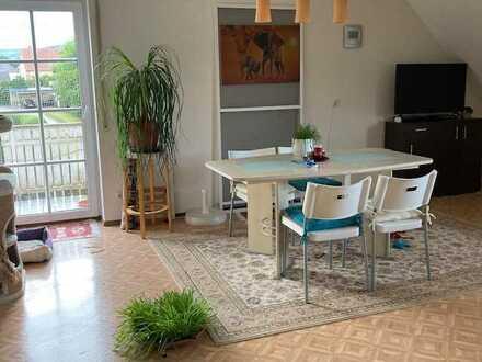 Gepflegte 2-Zimmer-DG mit Balkon und EBK von Privat - Kapitalanlage/Eigennutzung -