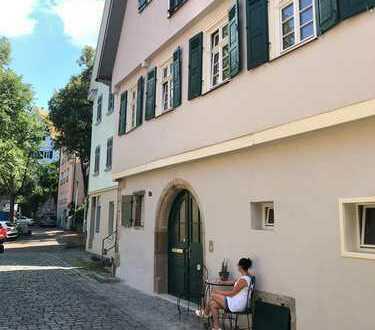 Saniertes Denkmalunikat in der Esslinger Altstadt mit zwei bezugsfertigen Wohnungen zu verkaufen!