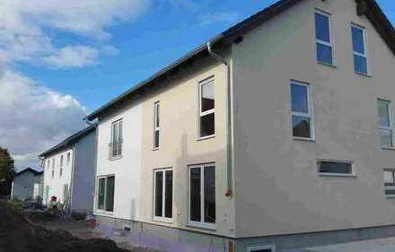 Doppelhaushälfte in Stadtvilla auf SW Grundstück in Flörsheim-Dalsheim
