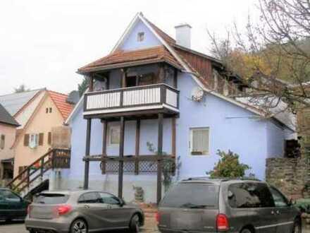 Idyllisches Einfamilienhaus mit Balkon und Dachterrasse
