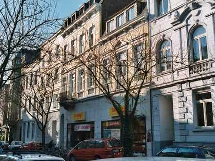 Gepflegte Dachgeschosswohnung in der Bonner Altstadt