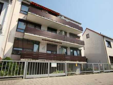 Schöne Eigentumswohnung in ruhiger Straße mit Balkon und Carport