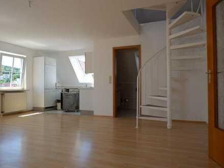 Weg vom Standard- Hin zur Individualität , Renovierte 2 Zi. DG Wohnung in 71134 Aidlingen
