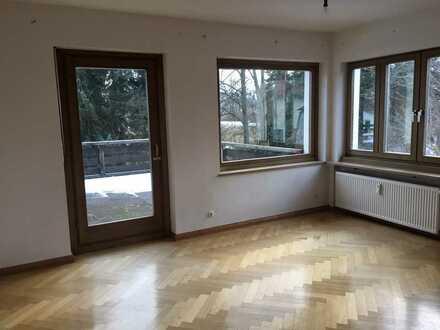 gepflegte 3-Zimmer-Wohnung mit großem Süd-Balkon in Roding, günstige Miete