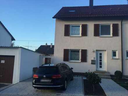 Schöne Doppelhaushälfte in Metzingen: ideal für Familien mit Kindern