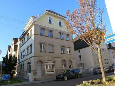 Besondere 4-Zimmer-Wohnung im Erdgeschoss eines 4-Familien-Hauses