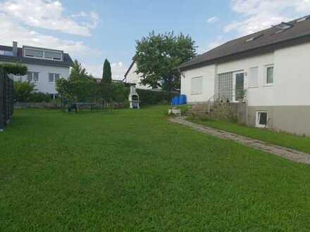 Gepflegte 5-Zimmer-Dachgeschosswohnung mit Balkon und Einbauküche in Rottenburg am Neckar/Hailfingen