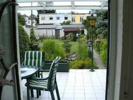 Reihenmittelhaus in idyllischer und ruhiger Lage in Frankfurt – Praunheim.