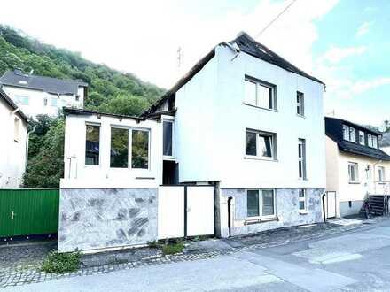 *TOP* Sanierungsbedürftiges Ein-Zweifamilenhaus in schöner Lage Rheingau
