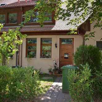 Reihenmittelhaus im fränkischen Stil mitten im Grünen