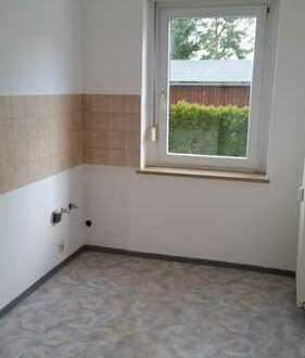 Freundliche, sanierte 2-Zimmer-Erdgeschosswohnung zur Miete in Oelsnitz/E.