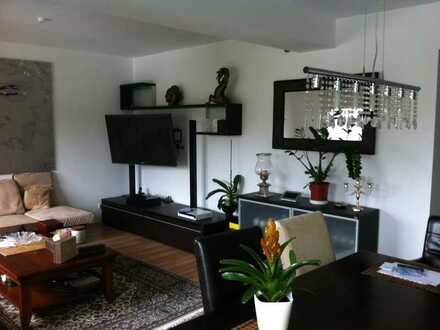 4,2% Mietrendite: Helle und großzügig geschnittene Wohnung (leer) 760 €, 80 m², 3 Zimmer