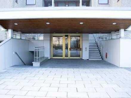 Helle und ruhige 3,5 Zimmer-Wohnung mit 2 Balkonen im Arabellapark