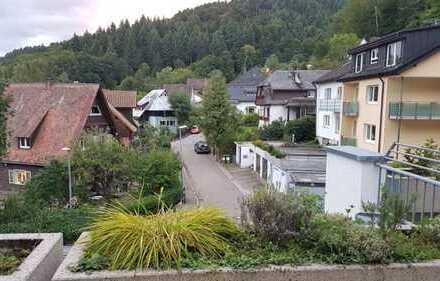 Gemütliche und schöne 4-Zimmer-Wohnung mit Balkon und Einbauküche zum Wohlfühen
