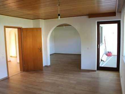 Schöne Doppelhaushälfte in ruhiger Siedlungslage von Neuhausen