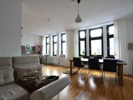 Loftige helle 90m²-Wohnung