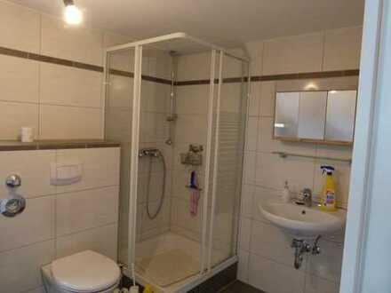 Modernisierte 3-Zimmer-Dachgeschosswohnung mit Einbauküche in Großostheim
