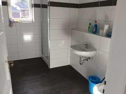 Schöne große vier Zimmer Wohnung in Rhein-Erft-Kreis, Bedburg-Lipp