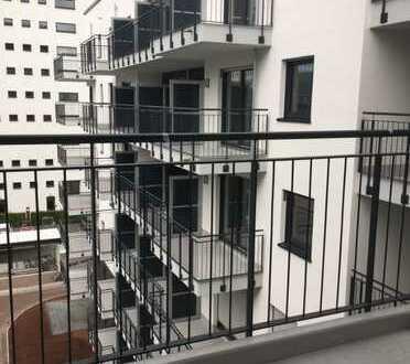 ERSTBEZUG: 3 Zimmer mit Balkon