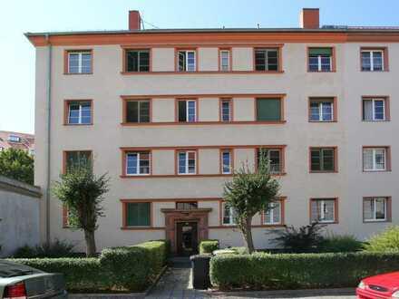 Klein und Fein ! Schicke 2 RW mit Balkon+ Einbauküche+ Eckwanne # vermietet #