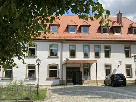 Eschenbach . sanierte 3 Zi-Wohnung im EG mit WBS I