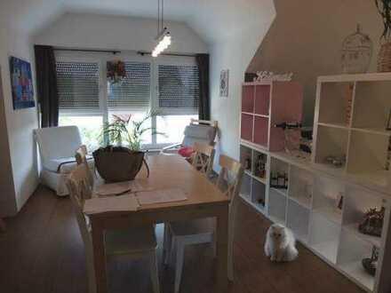 22_EI6321 Sehr gepflegte 3-Zimmer-Dachgeschoss-Eigentumwohnung in kleiner Einheit / Bad Abbach