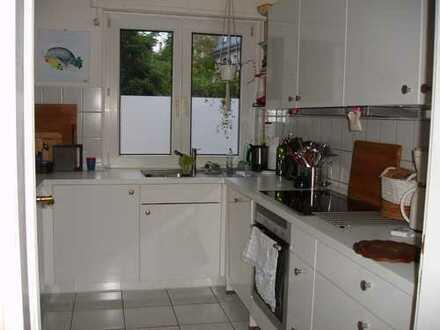 WRS Immobilien - Offenbacher Westend - sehr helle 4 Zimmer-Wohnung mit großem Wohnzimmer und Balkon